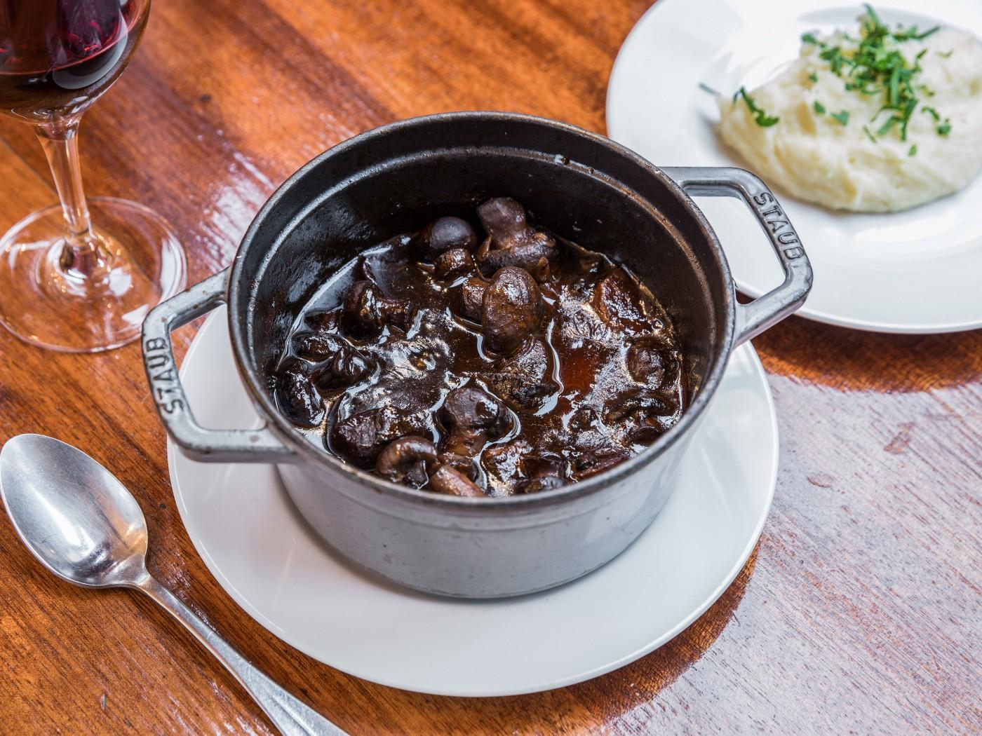 Bœuf_Bourguignon_restaurant_marais_cafe_des_musees