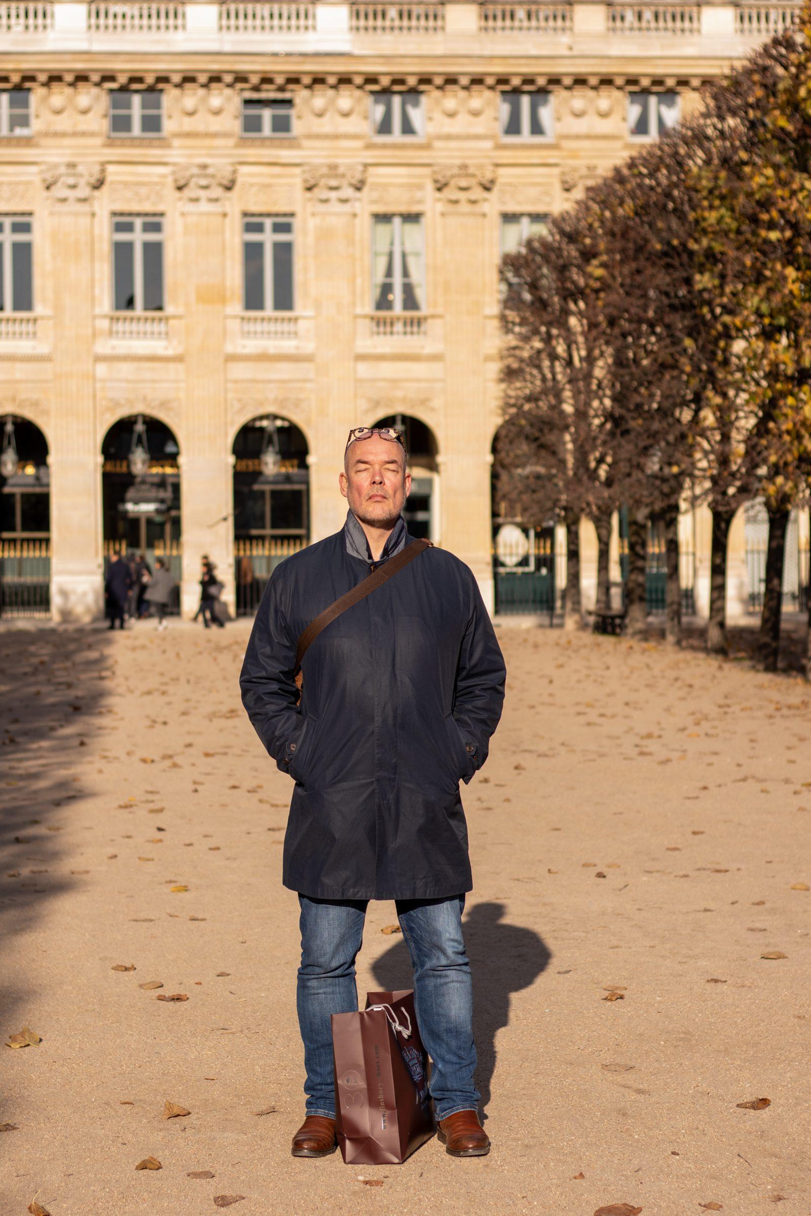Efterårssolen nydes i Paris